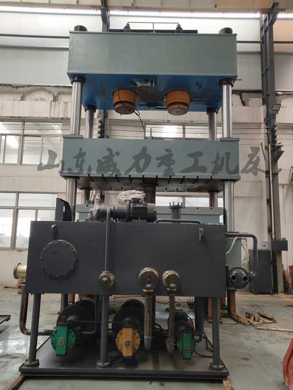 800吨液压垫拉伸液压机