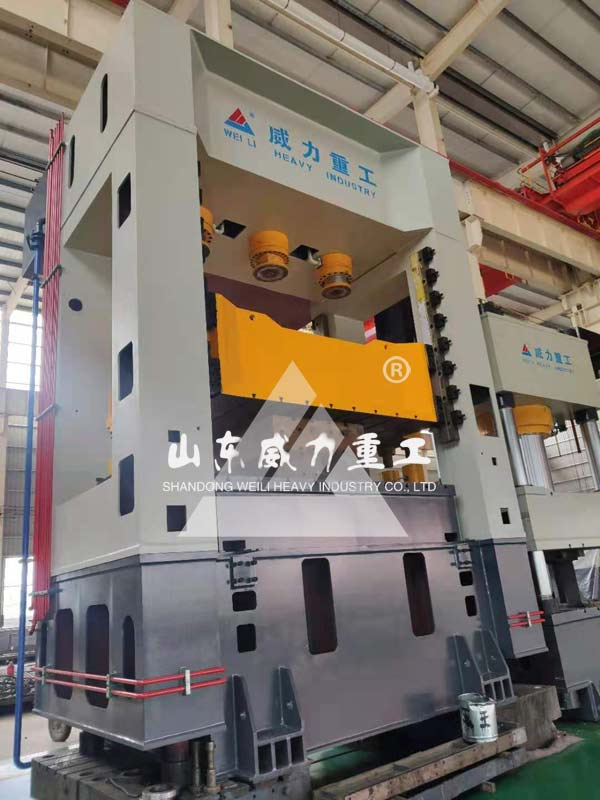 630吨框架式拉伸液压机